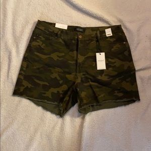 Judy Blue High Waist Green Camouflage Shorts